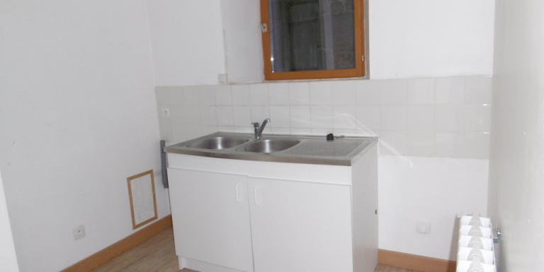 Appartement Aubusson F3 65 m2 Loyer 370 Euros HORS CHARGES - E